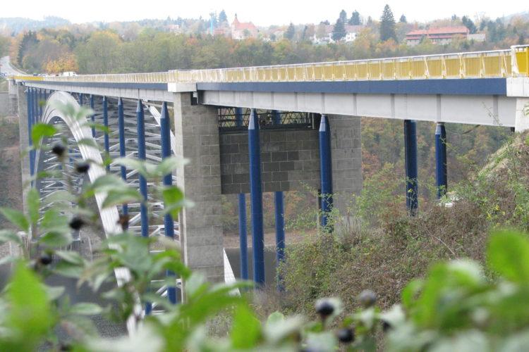 Sanace pylonů Žďákovského mostu