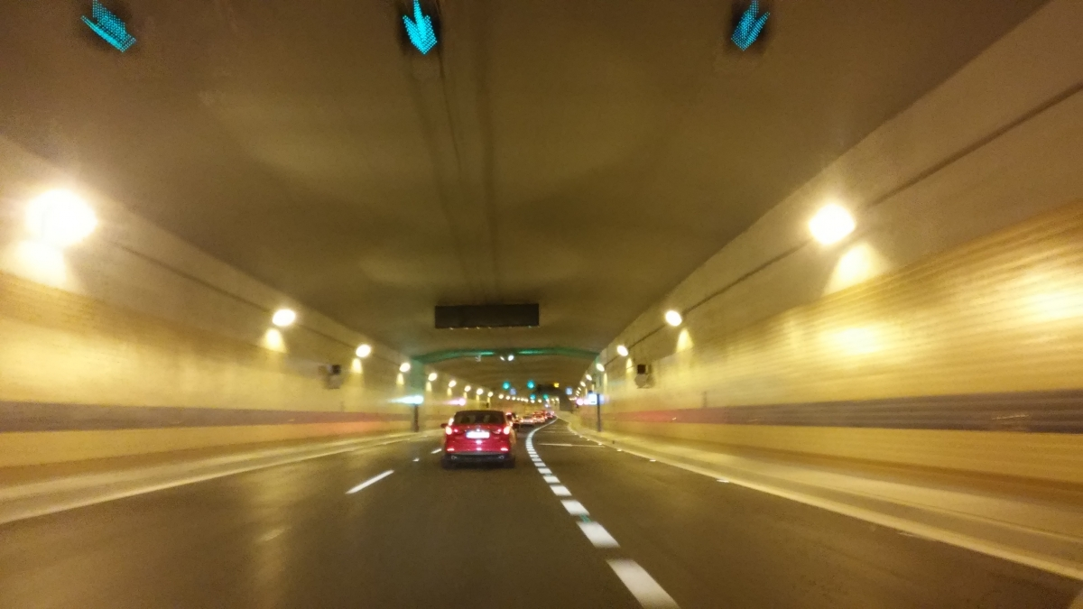 Tunel blanka kontakt
