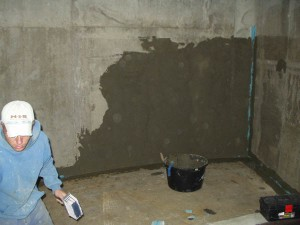 STĚRKY nanaseni cementove hydroizolacni sterky